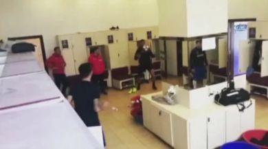 Trabzonsporun Soyunma Odasında Futbol Şov